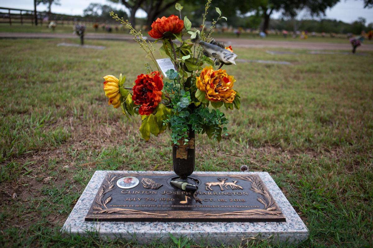 Clinton Harrington's grave