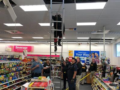 4 Burglary Suspects Found In Ceiling Of Whartons Cvs Pharmacy