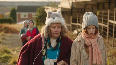 Joanna Scanlan and Lily Newmark star in 'Pin Cushion'
