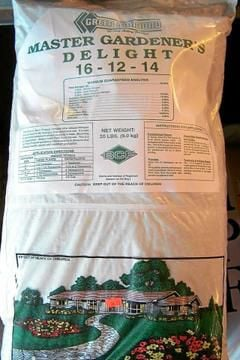 Gardener's Dirt: Know difference between plant food, fertilizers