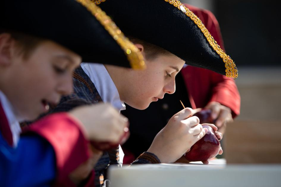 Students learn life as 18th century child
