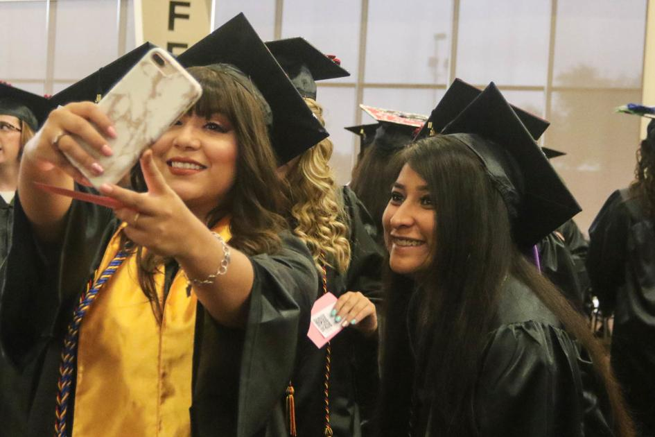 UHV grads offer advice to future college students