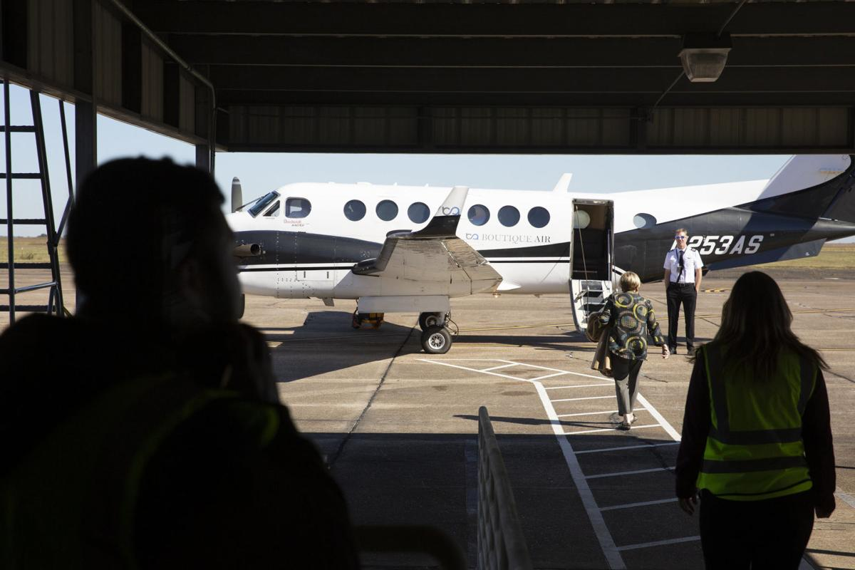 Airport commission noncompliant building leases