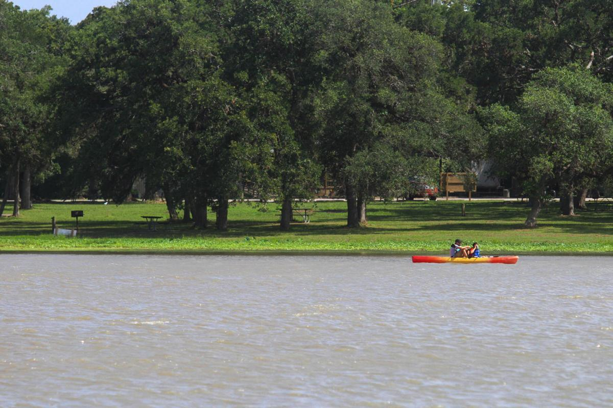 Lake Texana receives underwater habitat