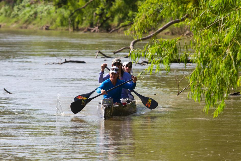 The heat is on as Texas Water Safari racers pass Victoria