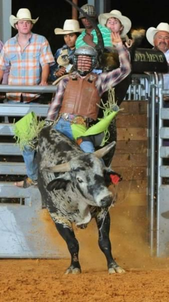 Edna bull-riding event honors service members in 2014.