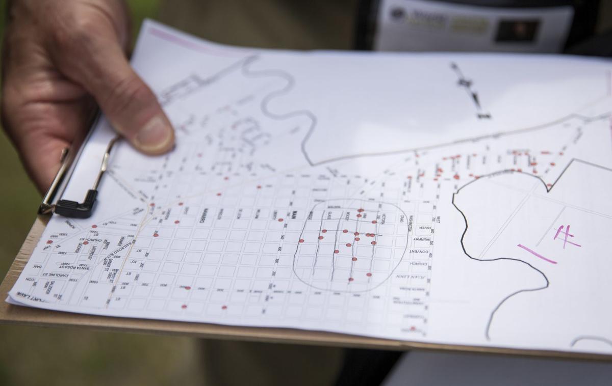 Disaster Volunteers Canvass Victoria Neighborhoods