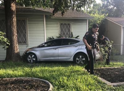 Car crashes into Crestwood Drive home during pursuit