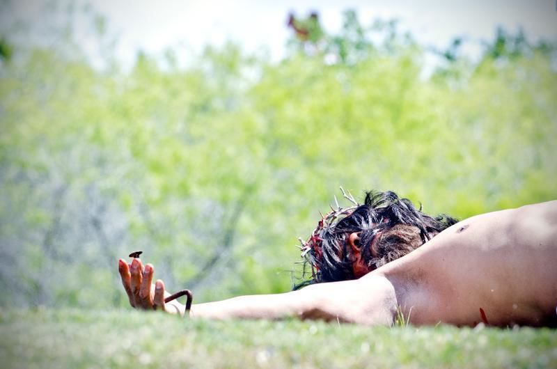People flock to passion play (video)
