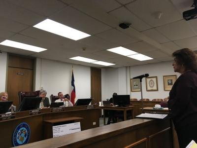 Commissioners discuss indicted constable