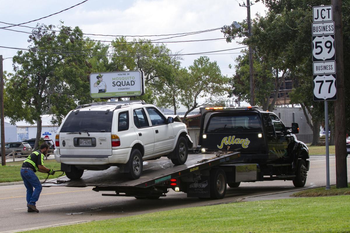 2-vehicle wreck sends children to hospital