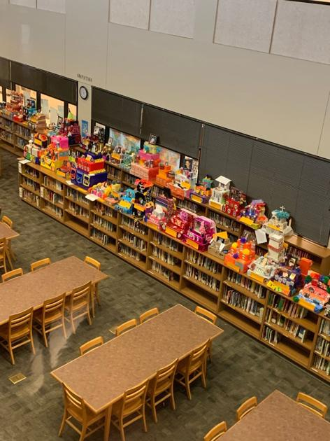 Cade Middle School students build Day of the Dead altars