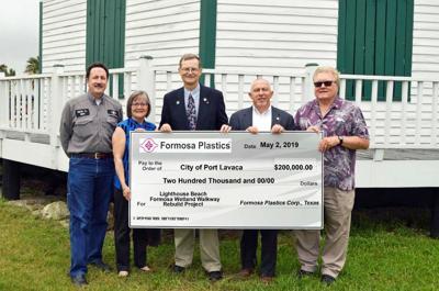 Formosa donates to the city