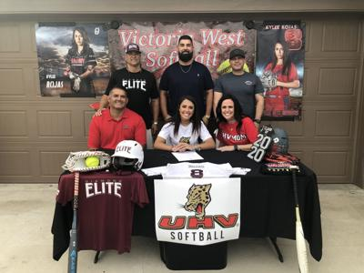 Victoria West's Kylee Rojas signs with UHV