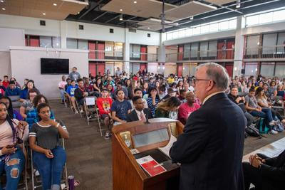 UHV starts year with convocation event