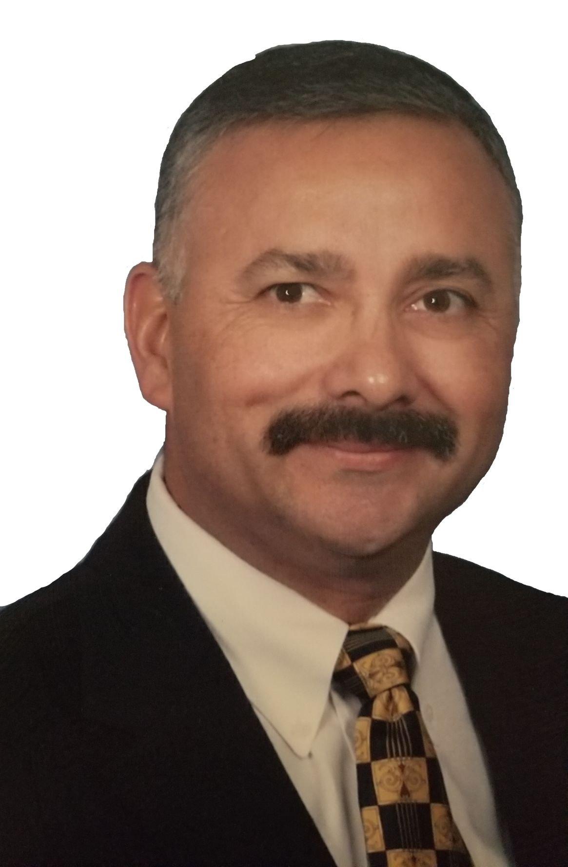 Luis De La Garza