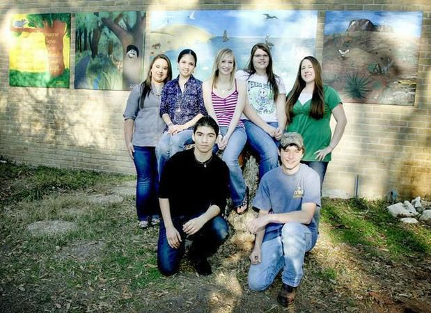 Students keep art academy founder's legacy alive by repainting zoo murals