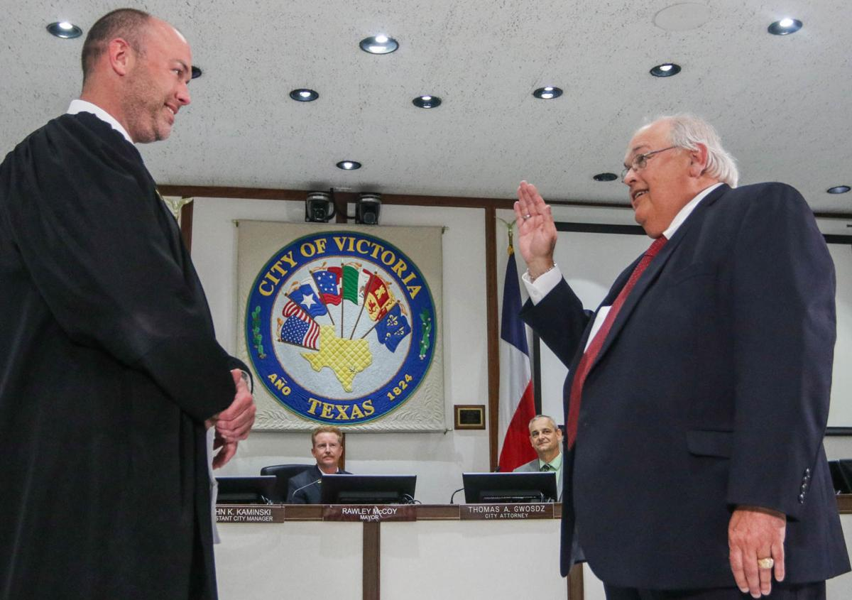 New mayor and City Council members take office