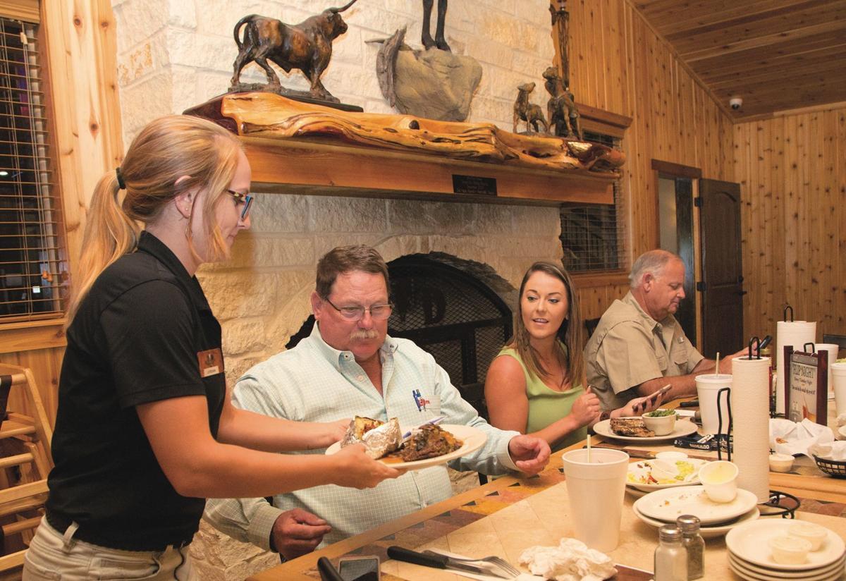Steakhouse provides entertainment in Yorktown