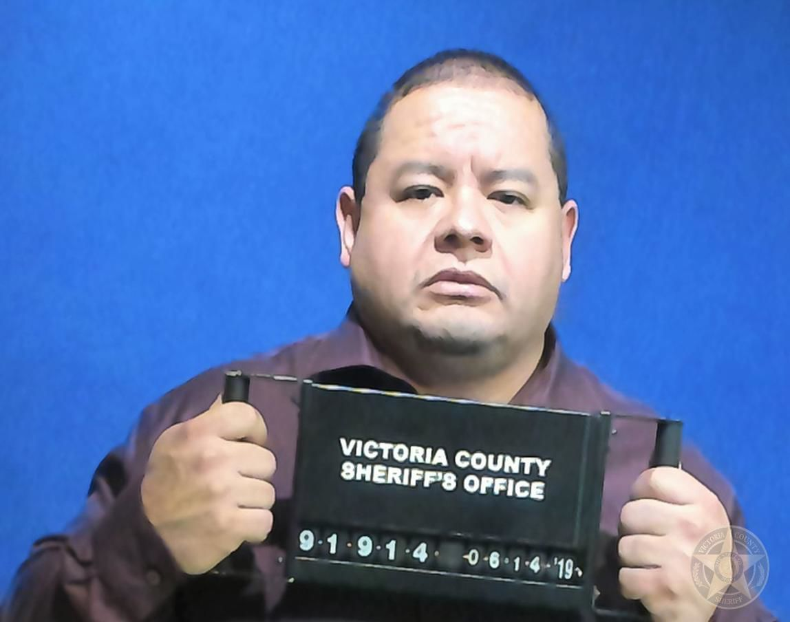 Convicted former Victoria County constable Jesse Garza begins jail sentence