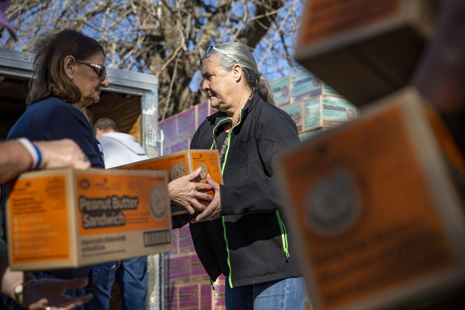 Thousands of boxes of Girl Scout cookies arrive in Victoria