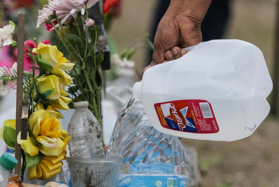 Annual memorial honors death of 19 immigrants 16 years later