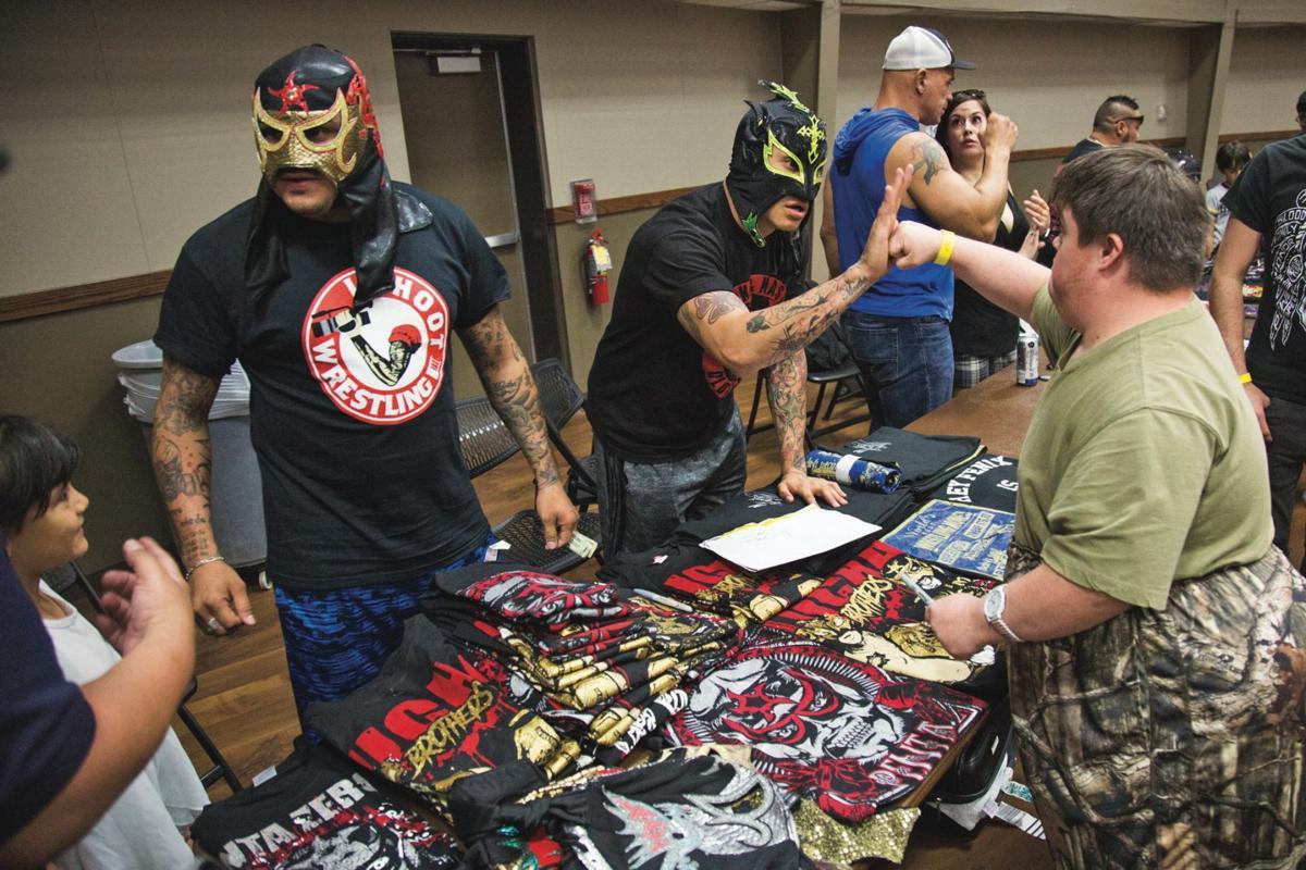 Lucha Libre comes to Victoria Community Center (w/video)