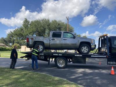 pickup truck flips glascow st