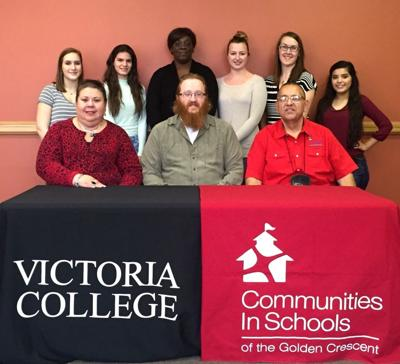 VC volunteers help at-risk students