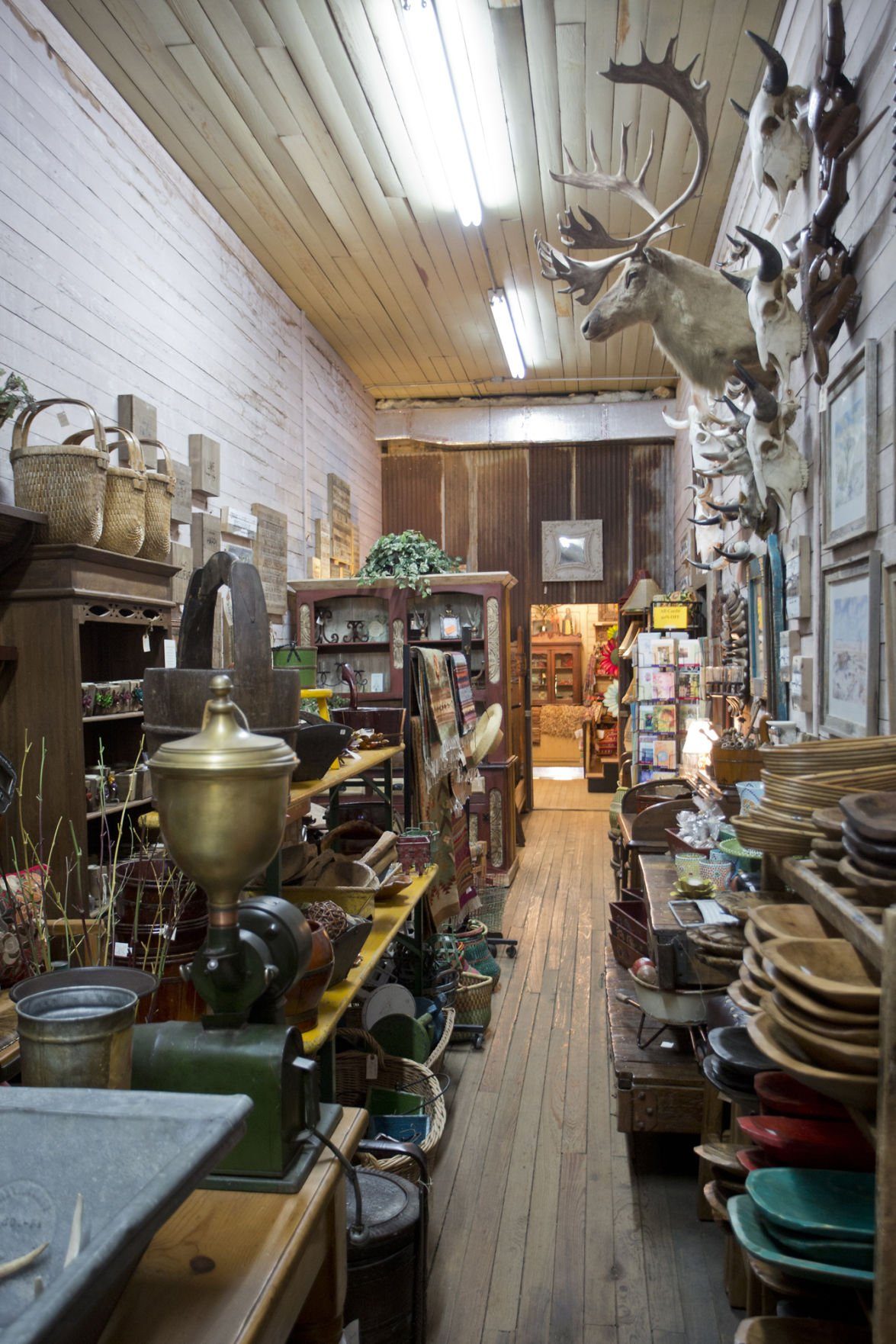 Third generation of family keeps hardware store current
