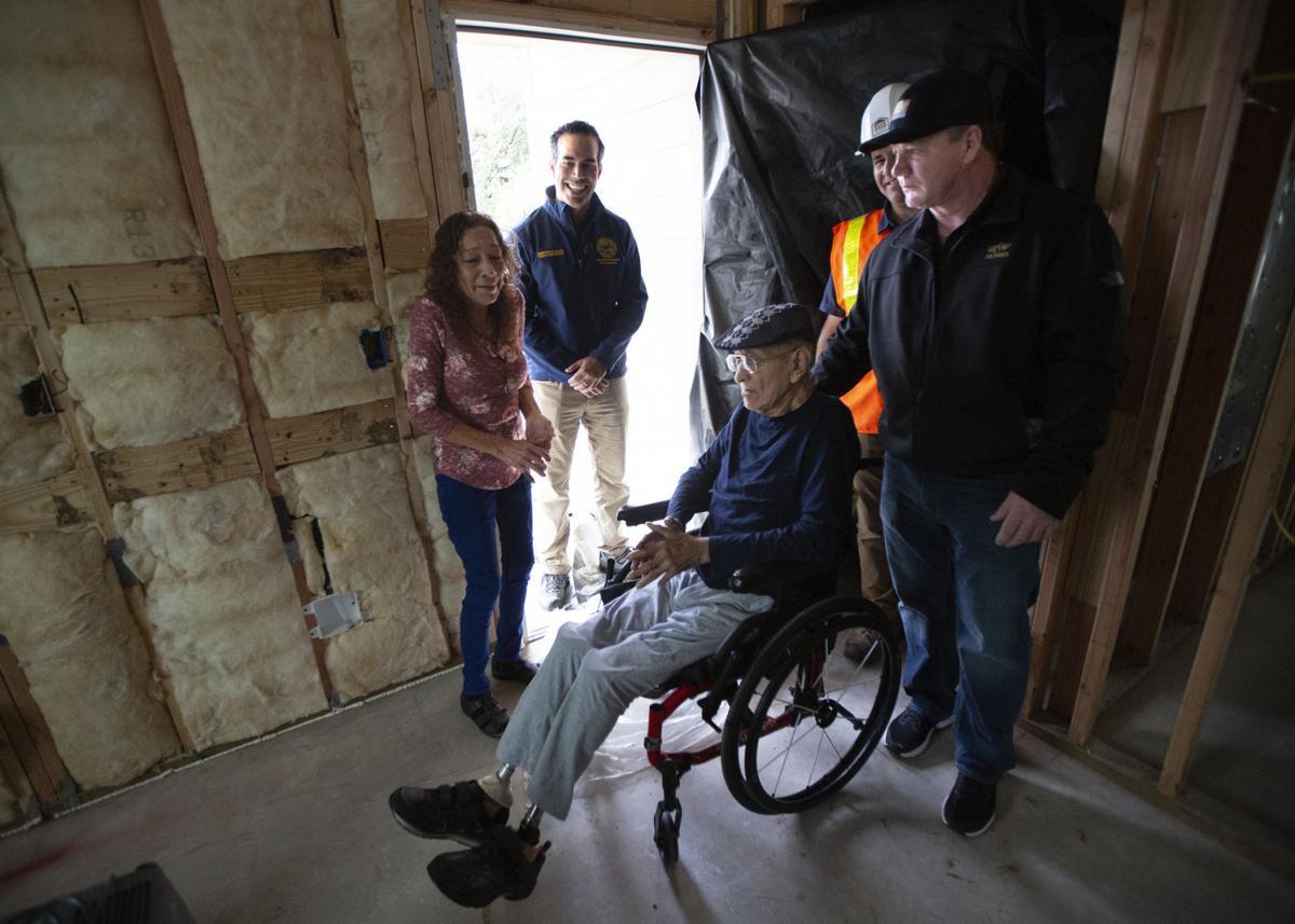 Bush tours Harvey damaged home