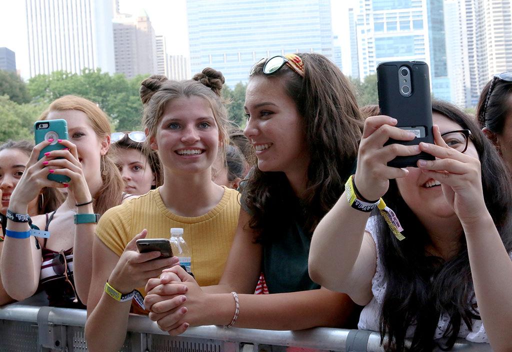 Lollapalooza_crowd shot_2018