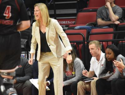 Women's basketball falls by double digits in first MVC loss to Bradley