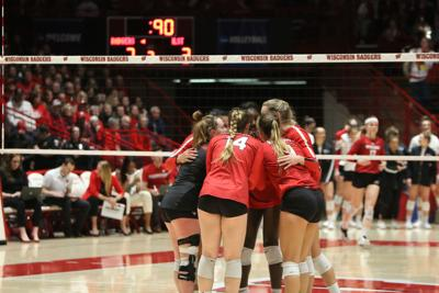 No. 4 Badgers complete the sweep over the Redbirds in first round of NCAA tournament