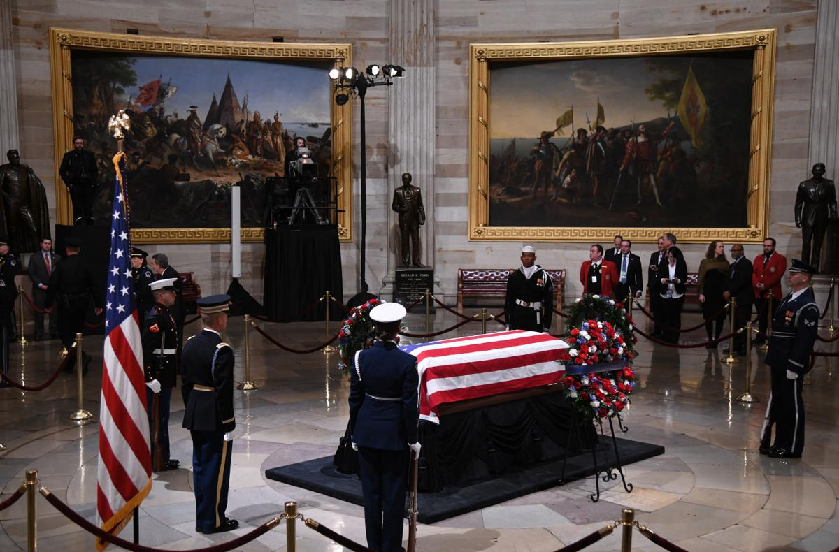 George H W Bush Remembered As Last Great Soldier Statesman News Videtteonline Com