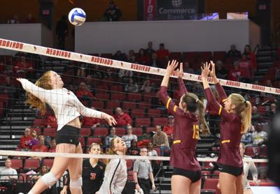 Preview: ISU volleyball hosts UNI and Drake