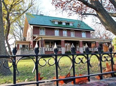 Broadview Mansion passes pact with Normal