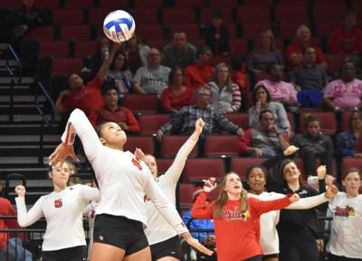 Volleyball drops second straight tough contest