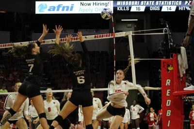 ISU volleyball drops first of four on the road in back and forth fight