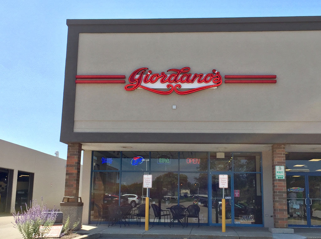 Order online! View menu and reviews for Giordano's Pizza in Rosemont, plus most popular items, reviews. Delivery or takeout, online ordering is easy and FREE with kinoframe.ga