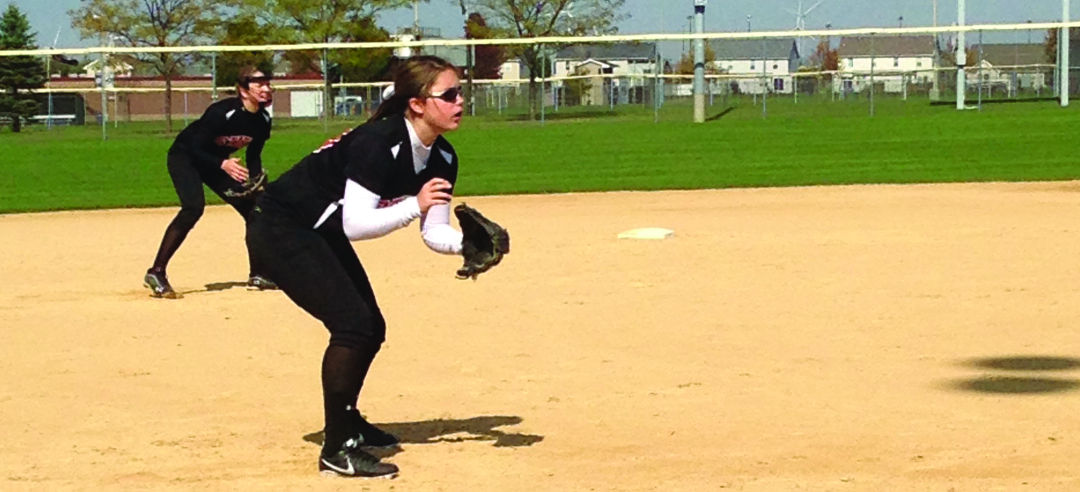Club softball falls to Illinois