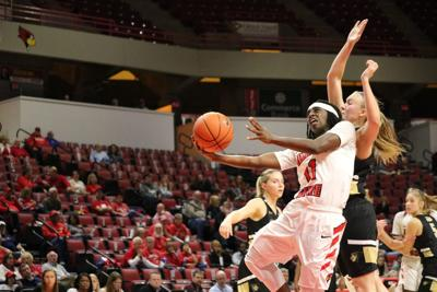 Women's basketball overcomes early woes en route to win