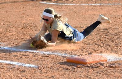 Holy Trinity advances to district softball title game after blowout win