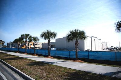 Construction projects continue despite virus outbreak