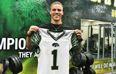 Nixon says Viera High's decision to retire his No. 1 jersey 'means the world to me'
