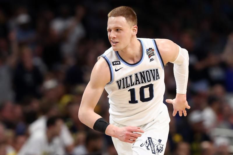 DiVincenzo Receives Most Outstanding Player Award