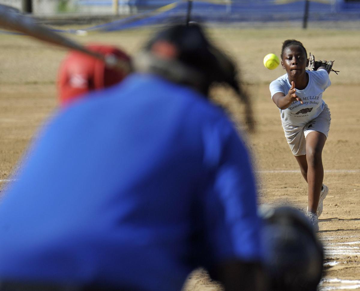 Muckle vs Muller elementary softball 1
