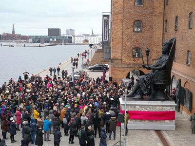 Queen Mary statue unveiled in Denmark