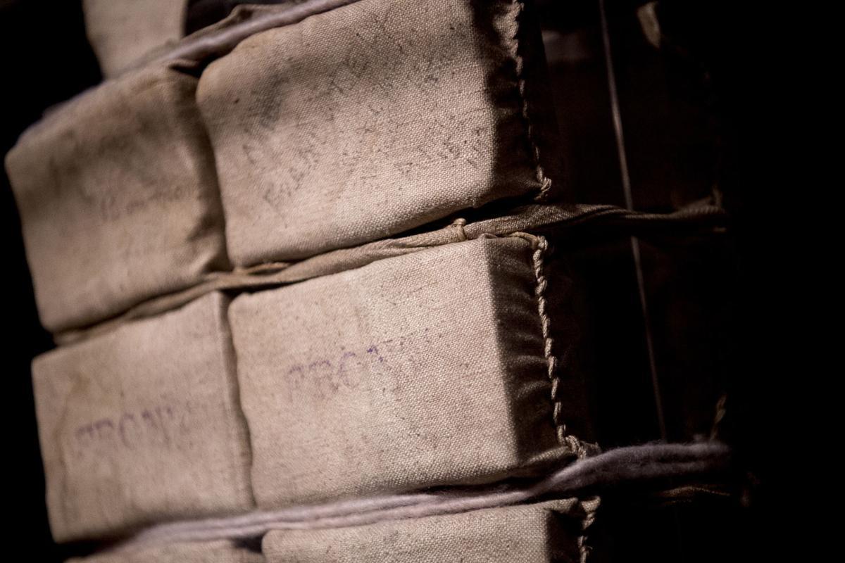 Exchange-Titanic-Life Jacket