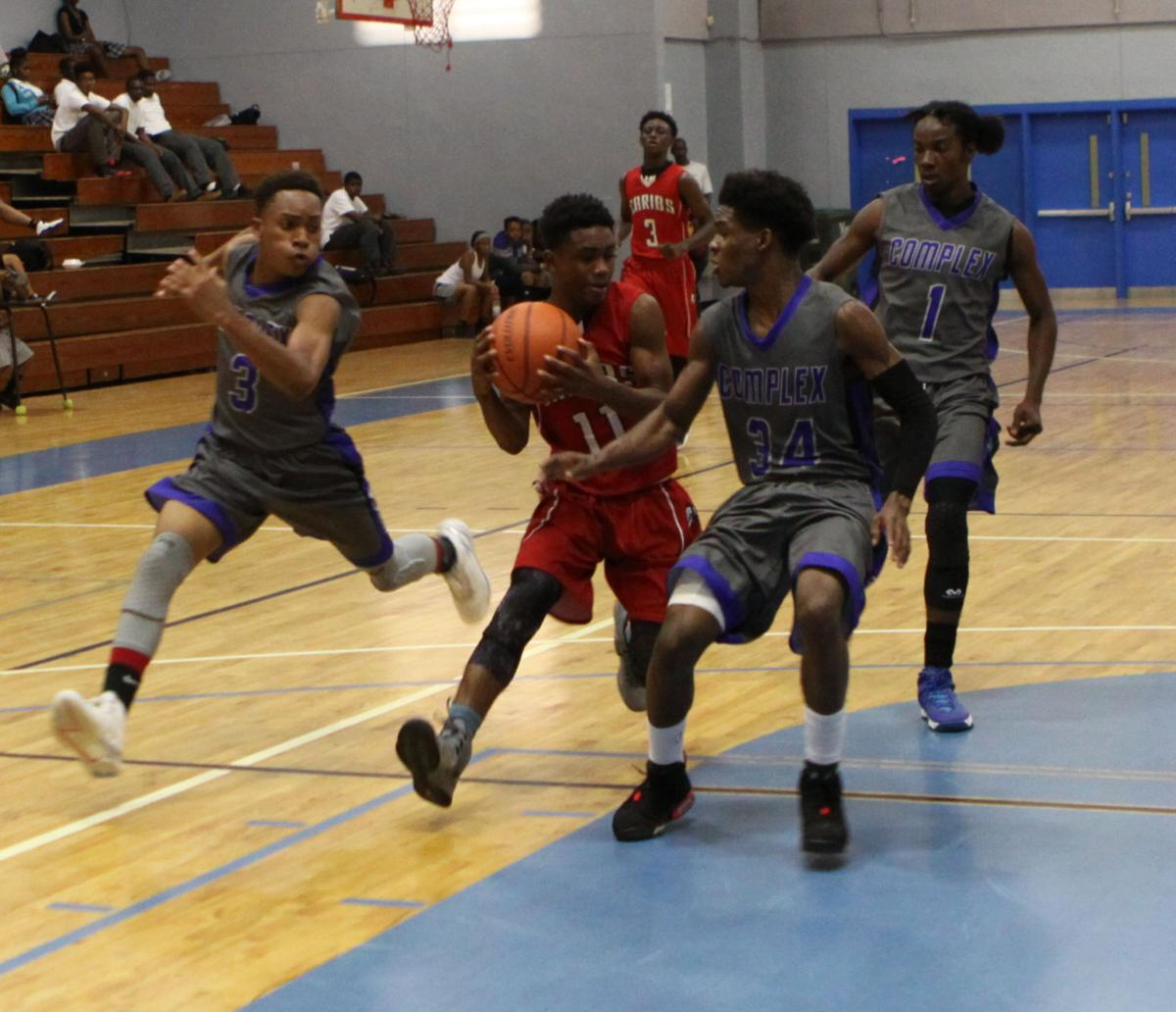 Central, Complex sweep doubleheader